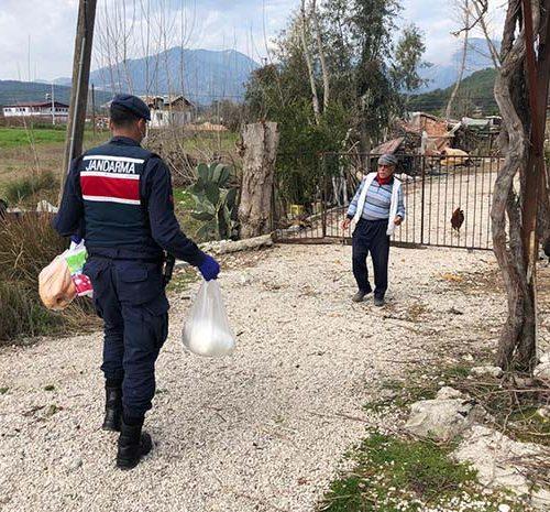 """Muğla'da 2 bin 700 aileye """"Vefa Eli"""" ulaştı"""