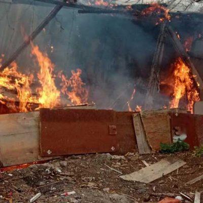 Gümüşlük'te marangozhanede yangın