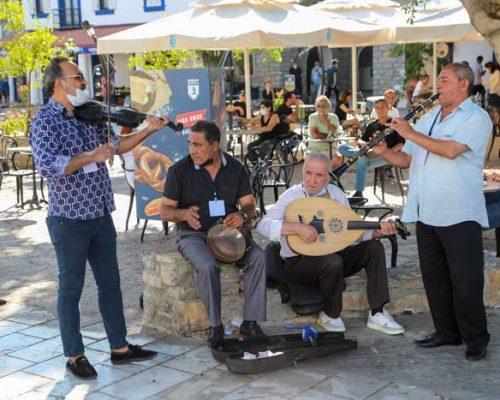 Bodrum Belediyesi'nden müzisyenlere destek