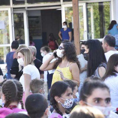 Okullar açıldı, veliler de heyecanlı ve mutluydu