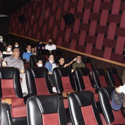 Cinemarine perdeleri itfaiyeciler için açıldı